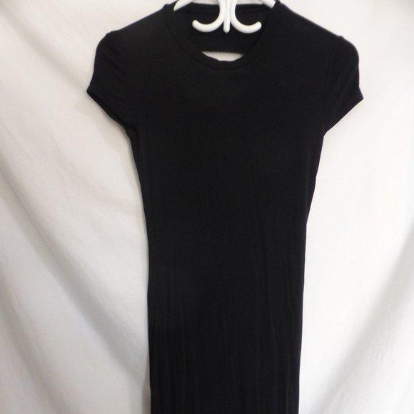 Solid black short sleeve dress, cool open back GUC